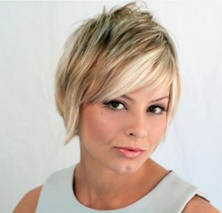 Short-layered-hairstyle-330x316